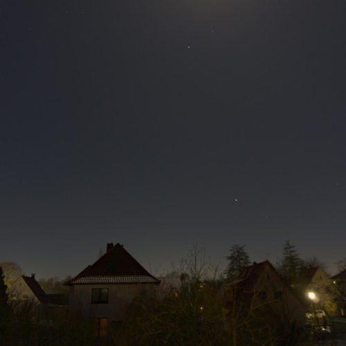 Nachts auf dem Balkon