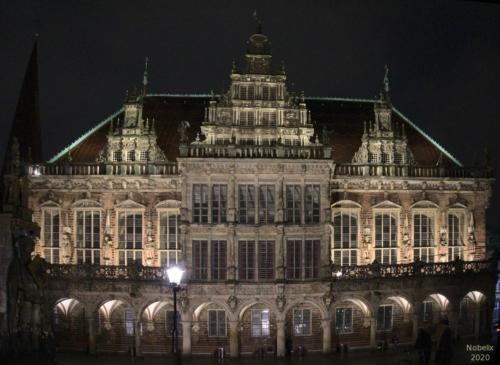 Das Rathaus in Bremen bei Nacht